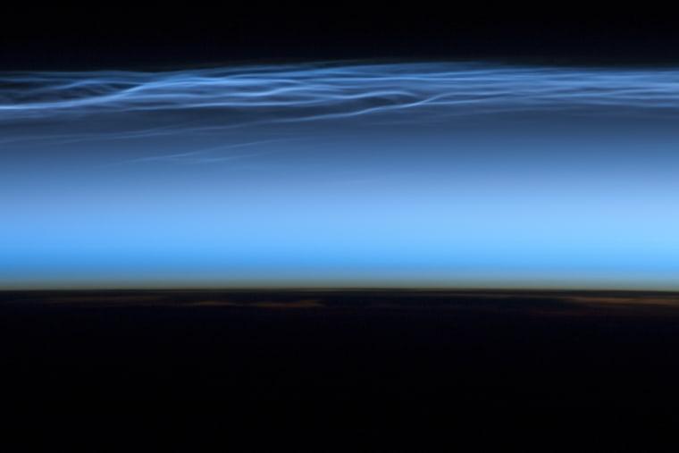 Image: olar mesospheric clouds