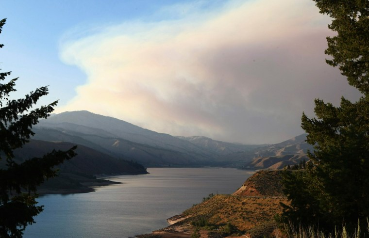 Image: Smoke from Trinity Ridge fire rises into the sky by Anderson Ranch reservoir in Pine, Idaho