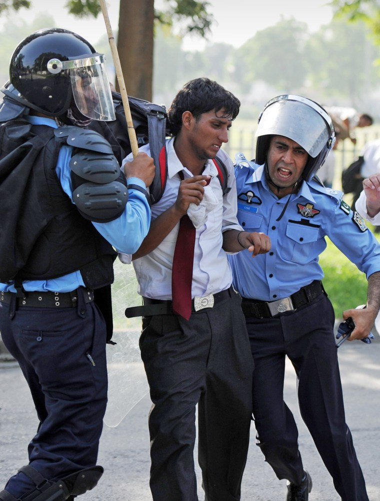 Image: PAKISTAN-ISLAM-UNREST-FILM-US
