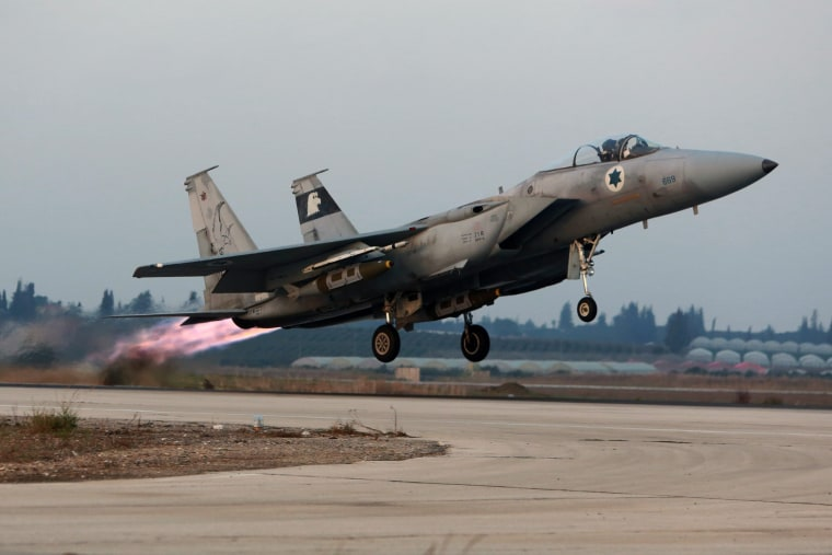 Image: Israeli F15 jet takes off from Tel Nof Air Force Base