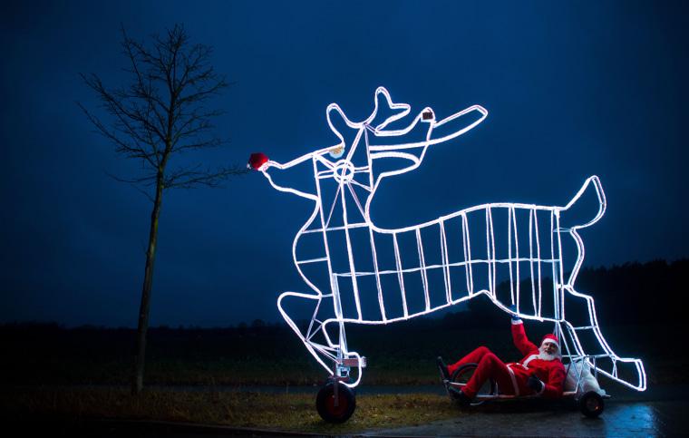 Image: GERMANY-CYCLING-CHRISTMAS-SENFT-OFFBEAT