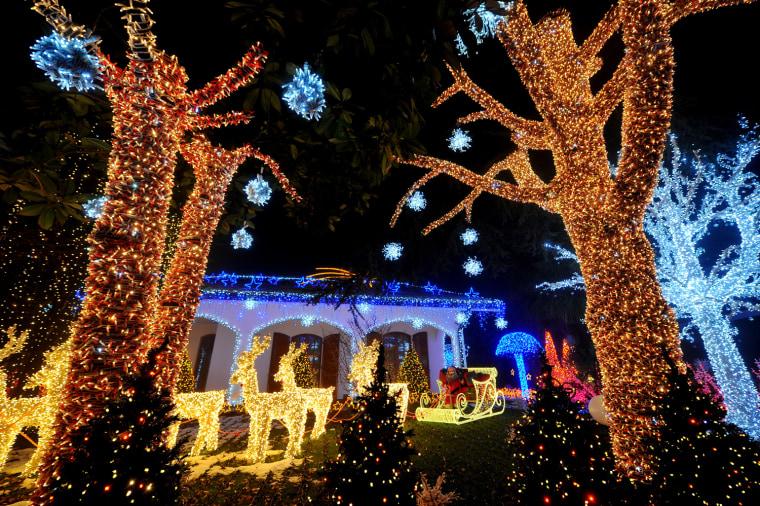 Image: ITALY-CHRISTMAS-MILAN-SANTA HOUSE