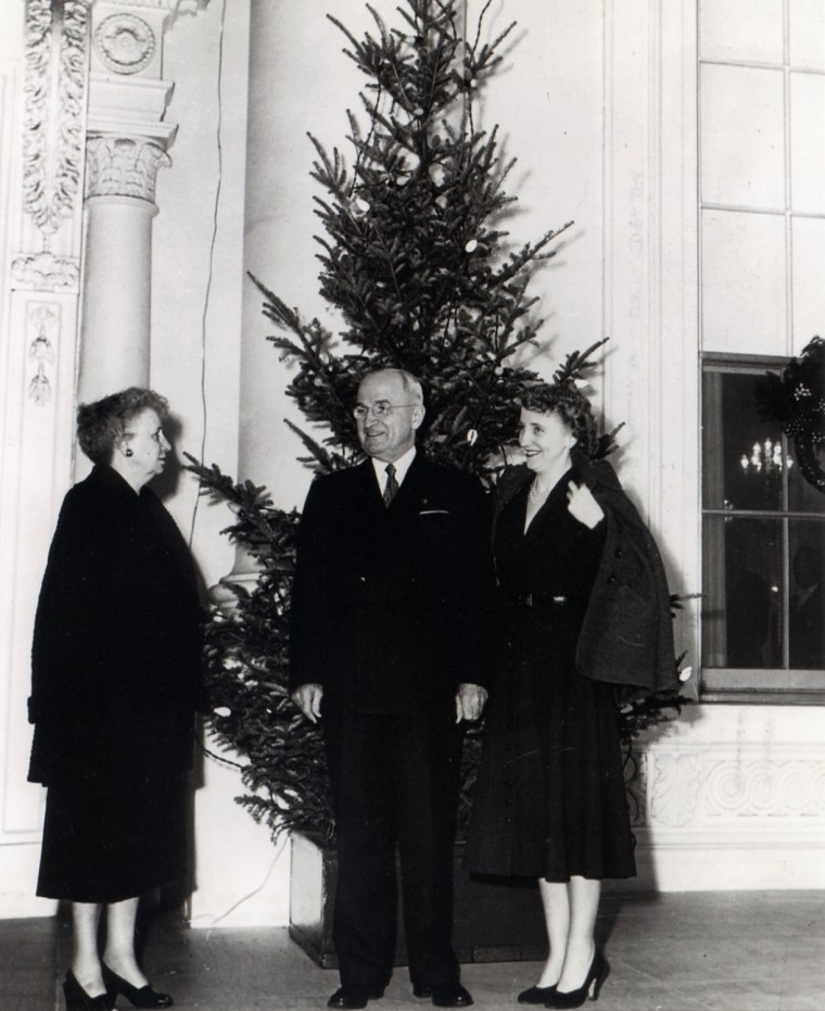First President To Decorate Christmas Tree