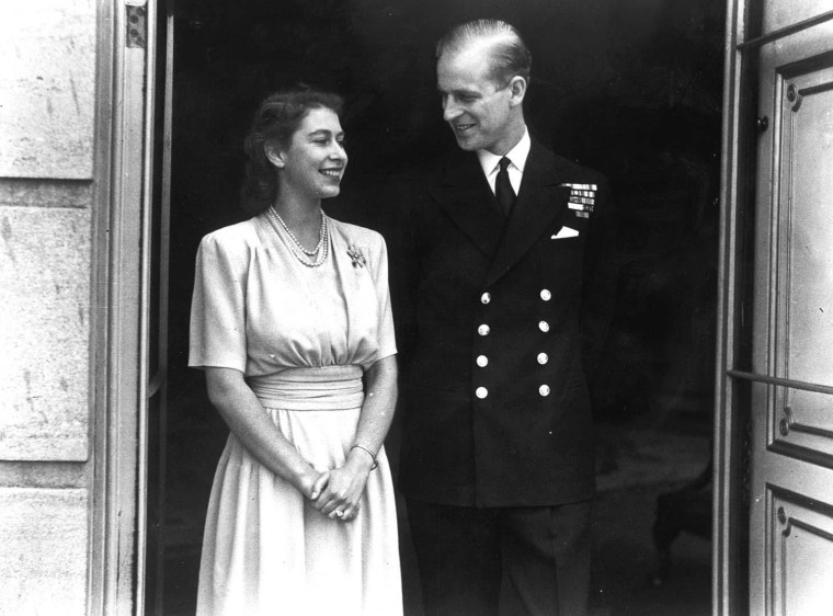 ROYAL ENGAGEMENT : 1947