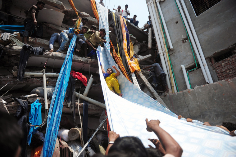 Image: TOPSHOTS-BANGLADESH-BUILDING-COLLAPSE