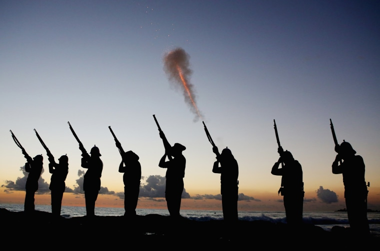 Image: Australians Commemorate ANZAC Day