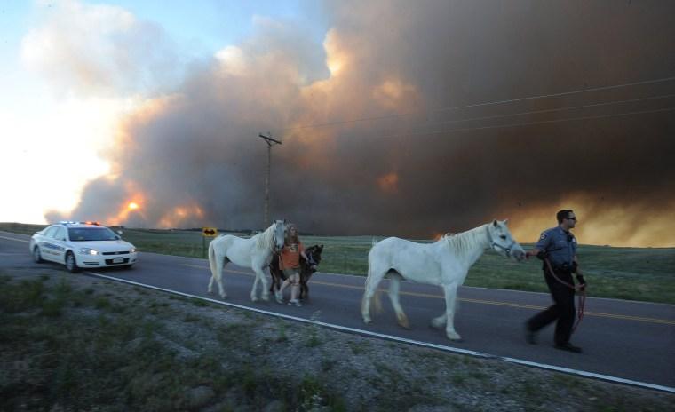Image: Colorado Springs Wildfire Burns Homes, Prompts Evacuations