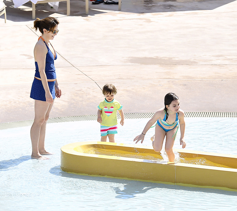 Pictures Of Tina Fey Jeff Richmond Anne Hathaway And: Celebrity Moms 2013