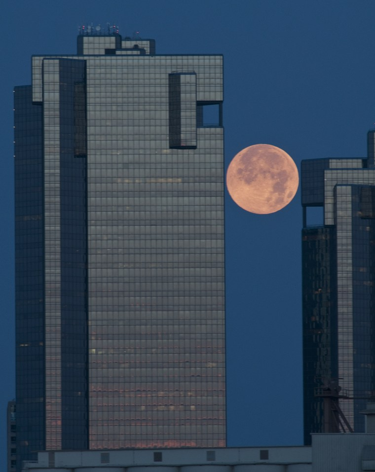 Image: Super Moon in Texas