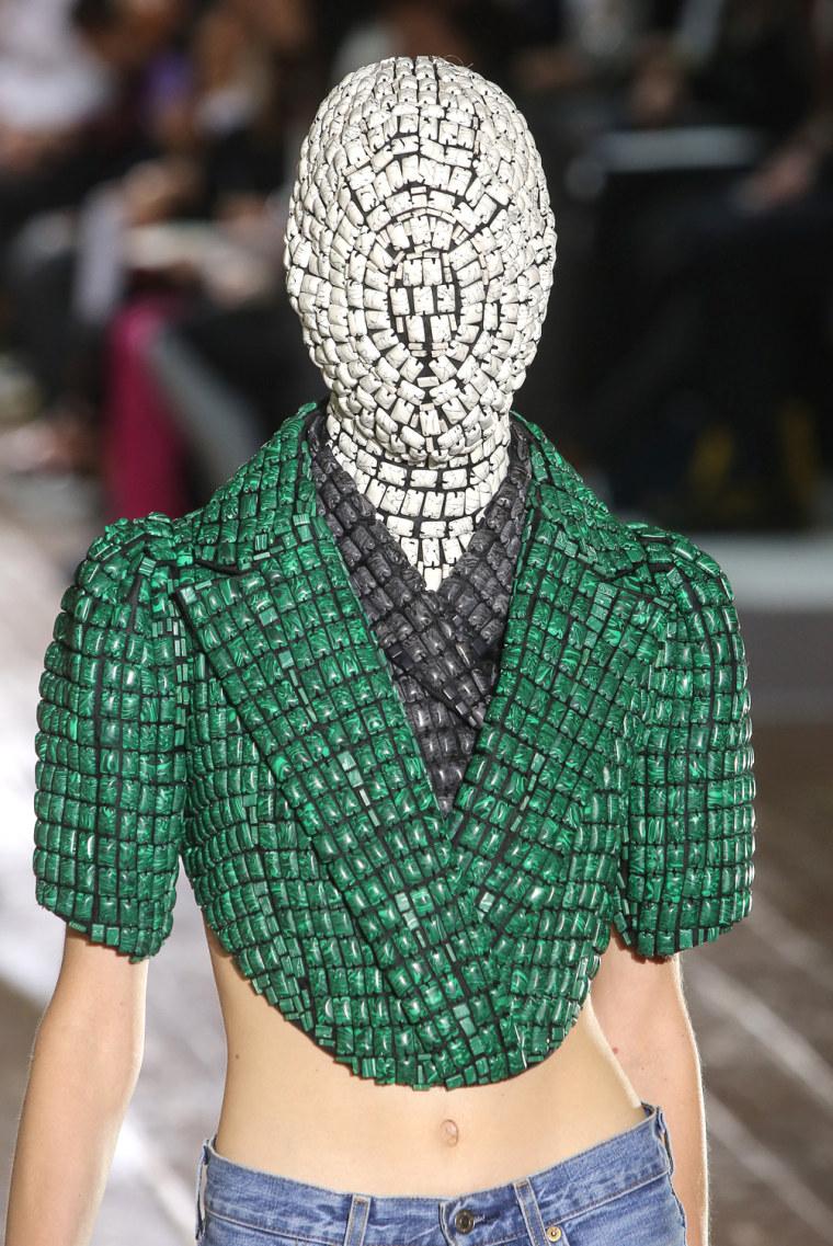 Image: Maison Martin Margiela: Runway - Paris Fashion Week Haute-Couture F/W 2013-2014