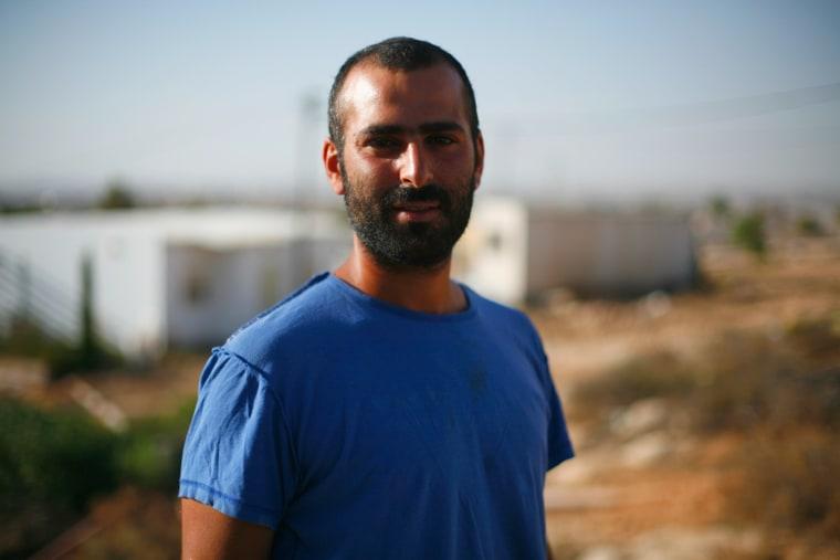 Faces of an Israeli settlement: Achicam.