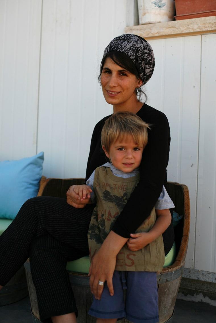 Faces of an Israeli settlement: Shira.