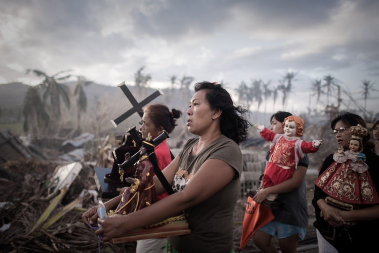 Image: TOPSHOTS-PHILIPPINES-WEATHER-TYPHOON