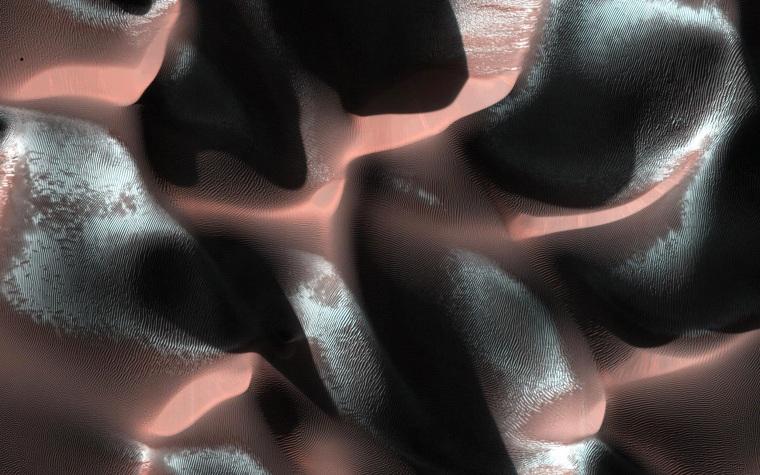 Image: TOPSHOTS-SPACE-MARS-SAND DUNES
