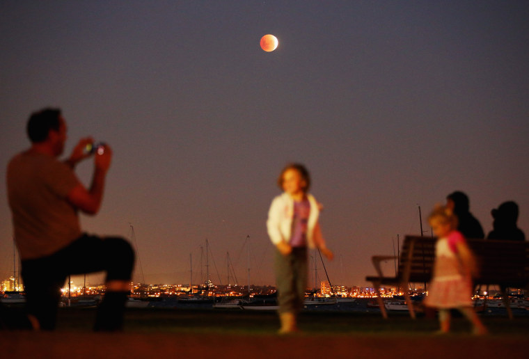 Image: 'Blood Moon' Appears In Melbourne Skies