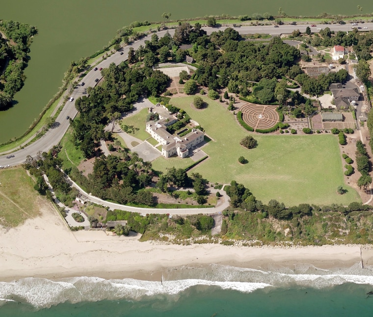 A Tour Of Huguette Clark S Unoccupied Mansion Bellosguardo