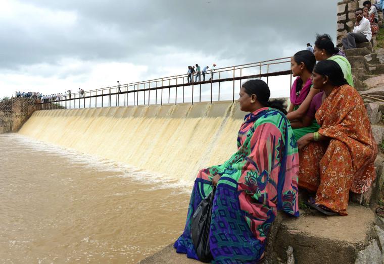 Image: TOPSHOTS-INDIA-WEATHER-FLOOD