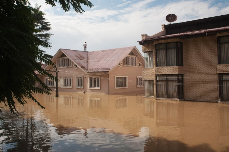 Image: Floods Kills Over 150 In Kashmir