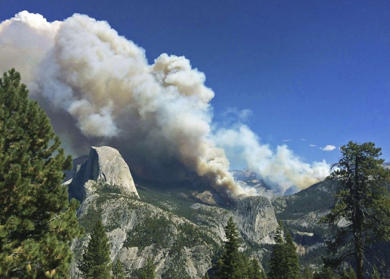 Image: The Meadow Fire burns in Yosemite National Park, California