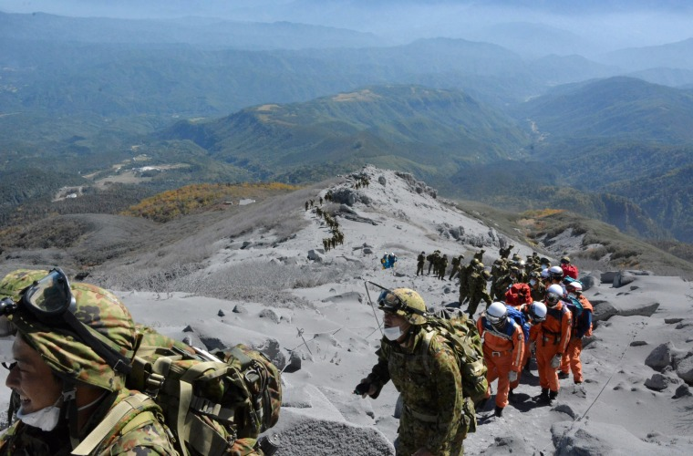 Image: More than 30 victims in critical condition after eruption in Japan