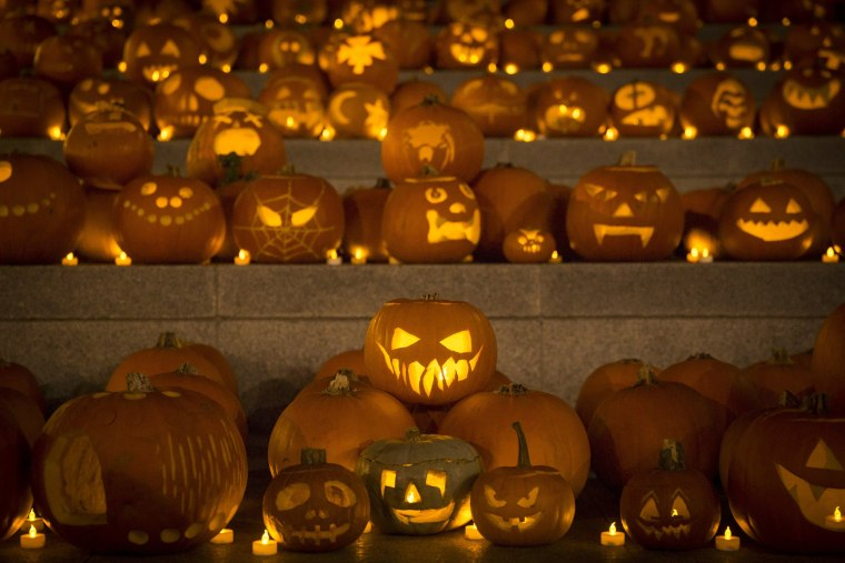 Image: Installation Of 3,000 Pumpkins Unveiled In London