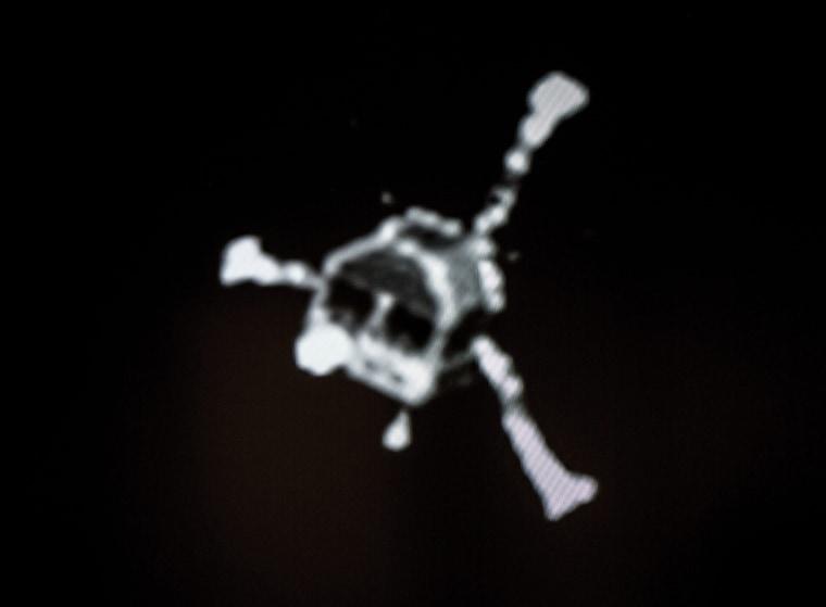 Image: Comet lander Philae send first pictures