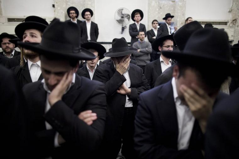 Image: Funeral of Rabbi Moshe Tversky after attack at synagogue in Jerusalem