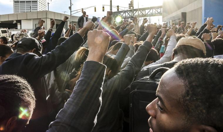Image: Protestors in Atlanta oppose Ferguson decision