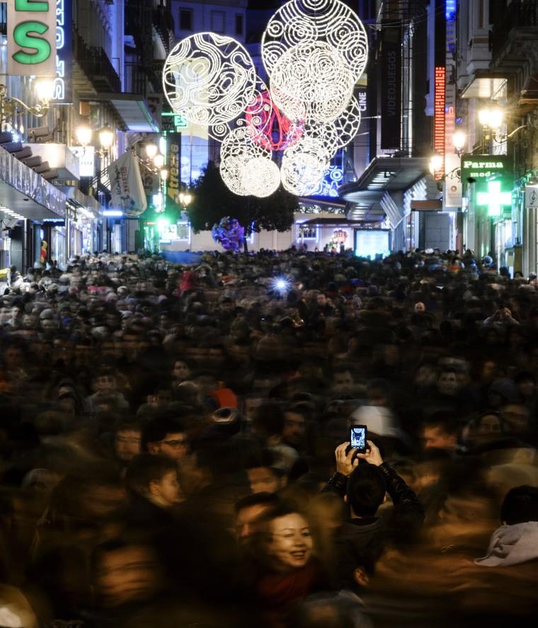 Image: SPAIN-CHRISTMAS-CROWD