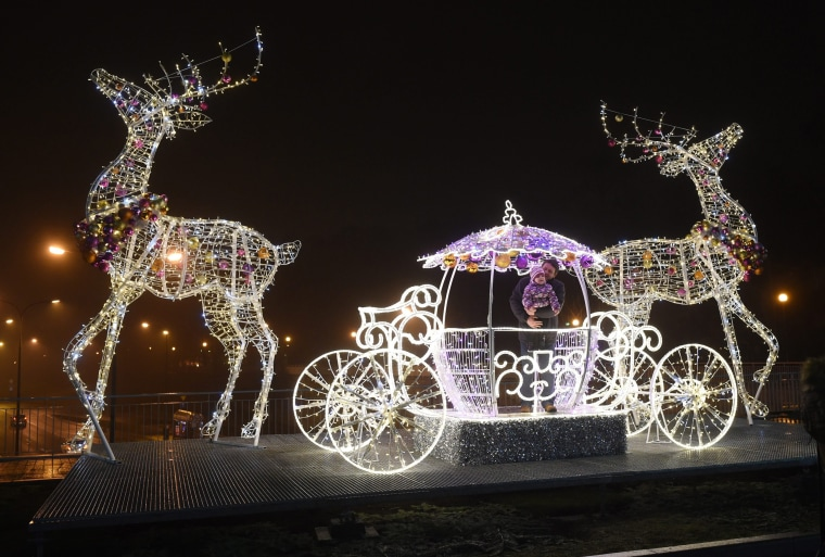 Image: Christmas illumination in Warsaw