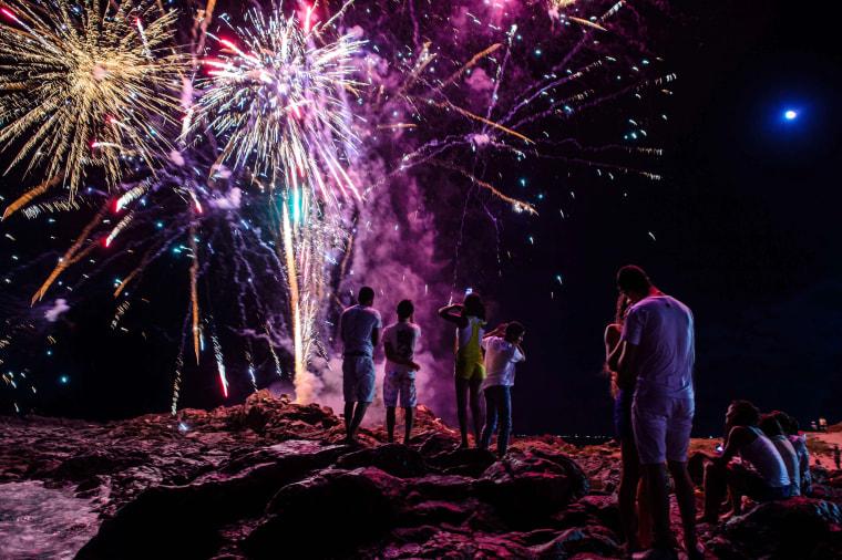 Image: BRAZIL-SALVADOR-NEW YEAR-FIREWORKS