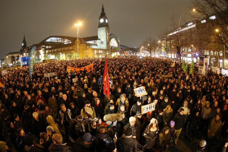 Image: Protests against anti-Islam movement PEGIDA