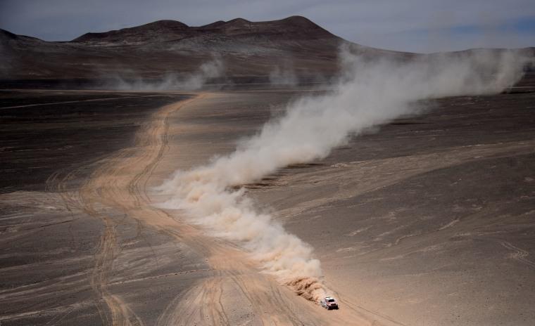 Image: AUTO-MOTO-RALLY-DAKAR-STAGE9