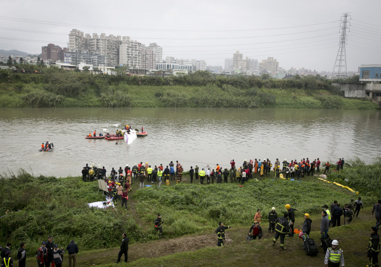 Image: TransAsia Airways Plane Crashes In Taipei