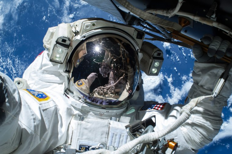 Image: Astronauts Barry Wilmore and Terry Virts on first of three spacewalks