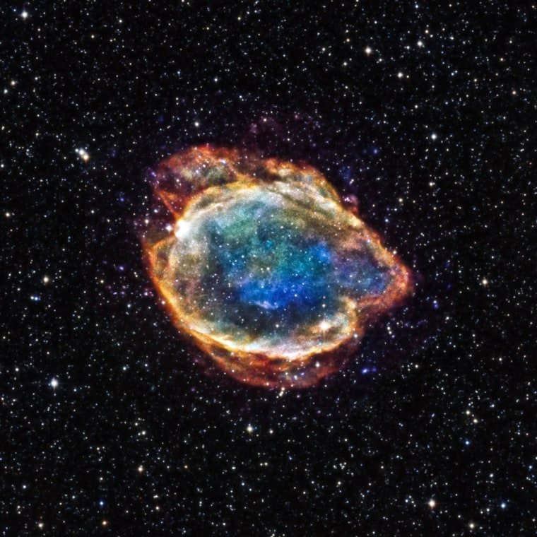 Image: A supernova remnant in the Milky Way about 16,000 light years from Earth.