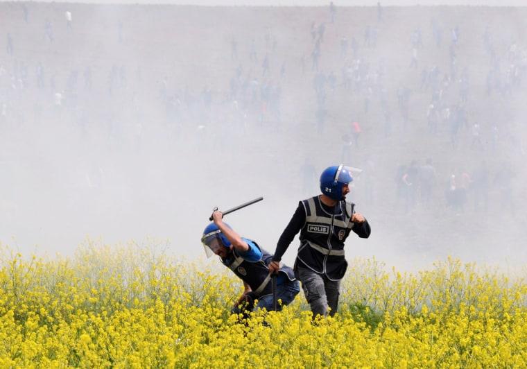 Image: TURKEY-KURDS-UNREST-DEMONSTRATION