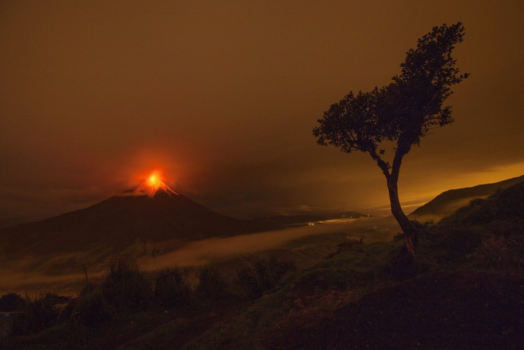Image: Tungurahua volcano keeps its activity