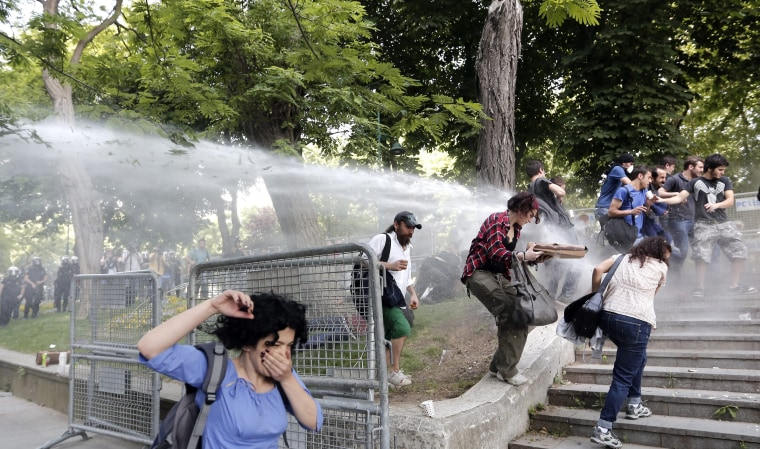 Image: Clashes in Istanbul during a protest