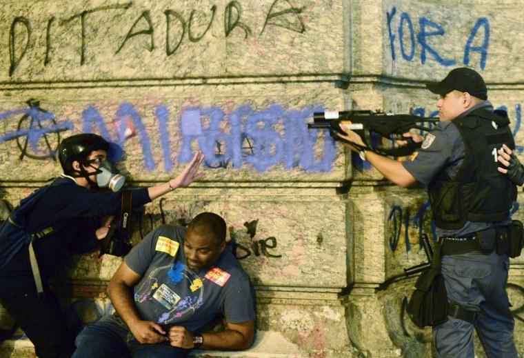 Image: BRAZIL-TEACHERS-PROTEST