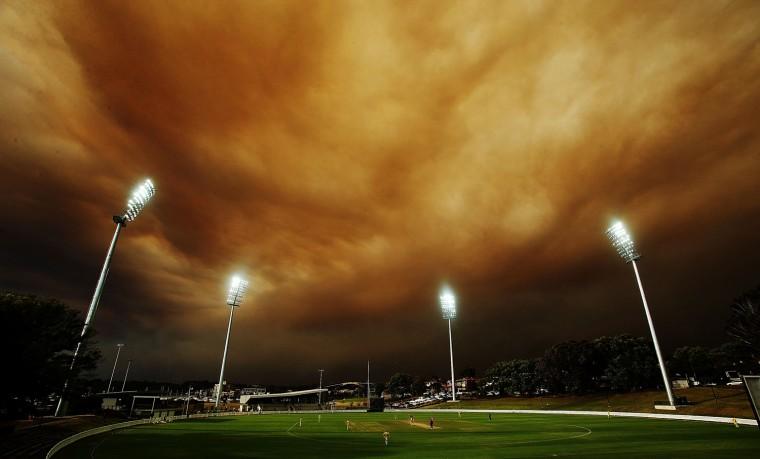 Image: Sydney Shrouded In Smoke As Bushfires Rage Across NSW