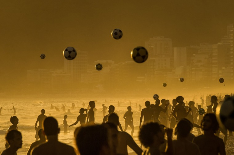 Image: TOPSHOTS-BRAZIL-IPANEMA BEACH-FEATURE