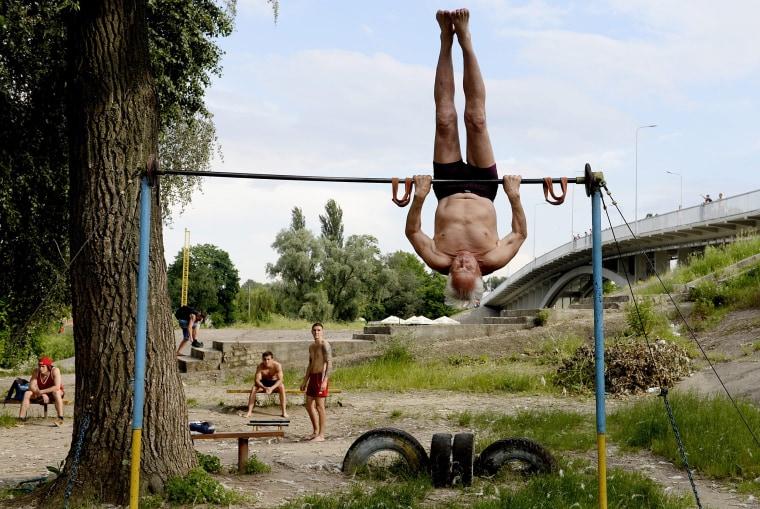 Image: Kachalka outdoor gym in Kiev