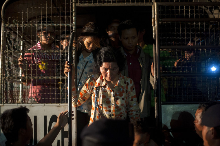 Image: Cambodian Workers Flee Thailand Over Fears Of Military Crackdown On Illegal Migrants