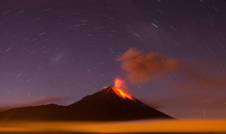 Image: HIGH ACTIVITY IN THE TUNGURAHUA VOLCANO