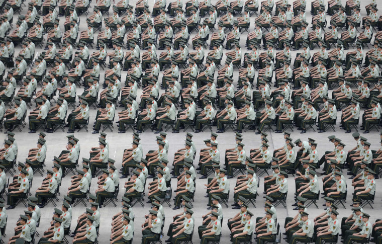 Image: More than 1,000 Paramilitary policemen take part in an exercise in Nanjing