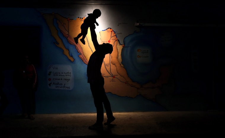 Image: Central American Migrants Attempt Arduous Voyage Thru Mexico To U.S.
