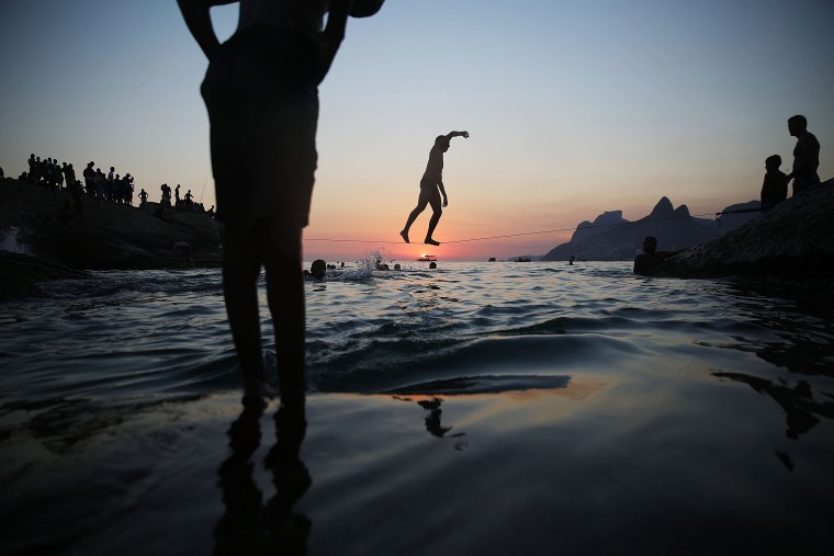 Image: ***BESTPIX*** Rio Residents Swarm To Beaches To Escape Summer Heat