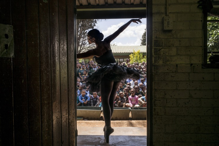 Image: TOPSHOTS-SAFRICA-ARTS-POVERTY-BALLET-SOWETO