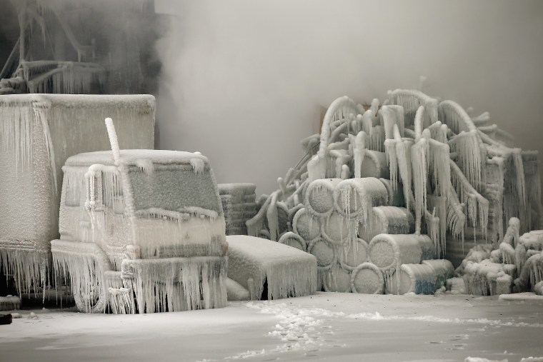 Image: Firefighters Battling Massive Chicago Blaze Hindered By Frigid Temperatures